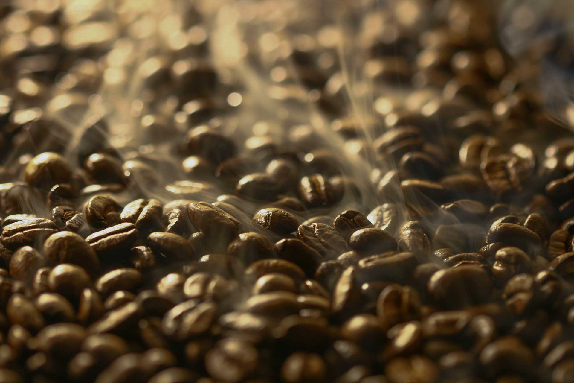 Aromatic_Black_Coffee_Beans_Background
